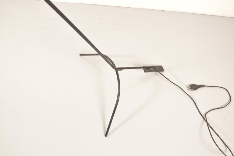 Vittoriano Vigano for Arteluce Rare Italian Floor Lamp Model 1047 For Sale 1