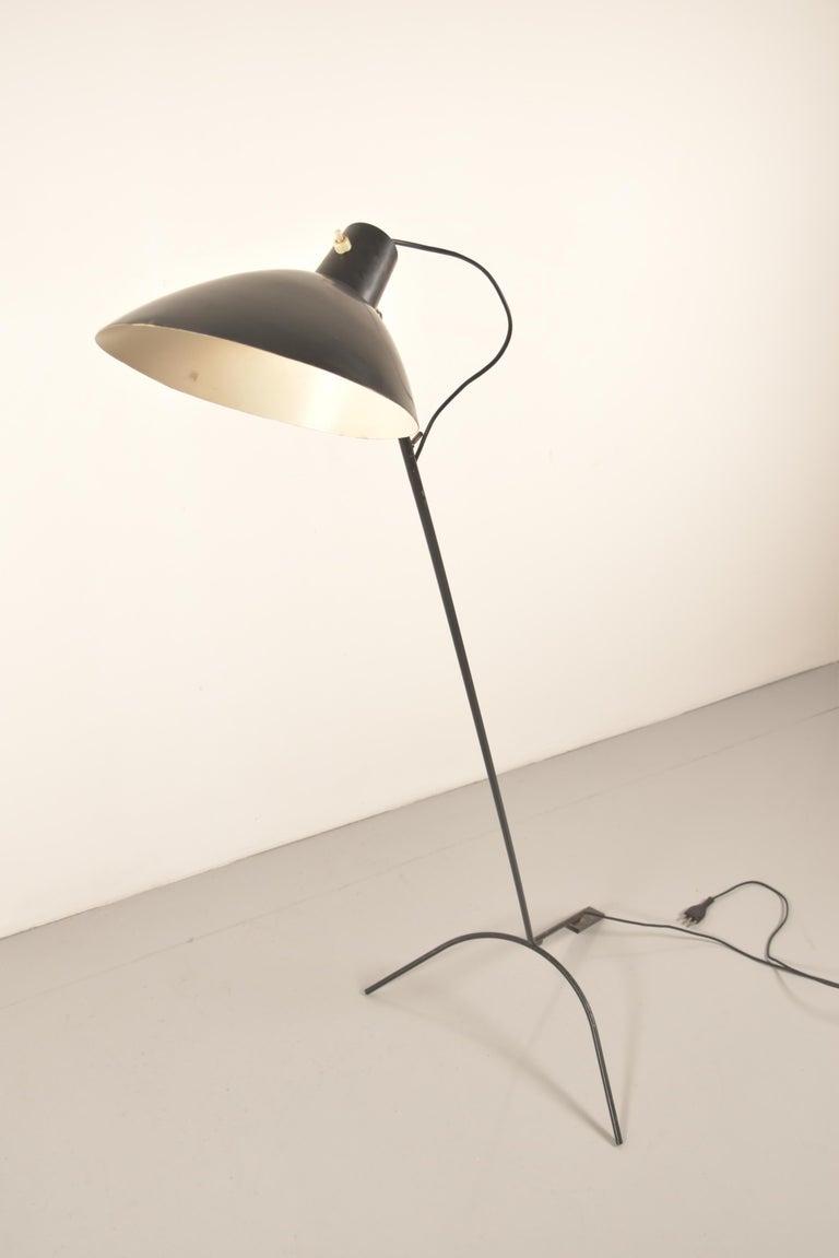 Vittoriano Vigano for Arteluce Rare Italian Floor Lamp Model 1047 For Sale 4