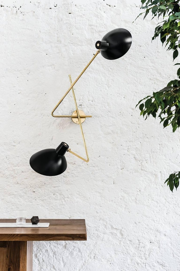 Vittoriano Viganò 'VV Cinquanta' wall lamp in black for Astep. Viganò was the art director of Arteluce, the company founded by his creative partner Gino Sarfatti, and the visor was one of his most celebrated design series. Designed in 1951, this is