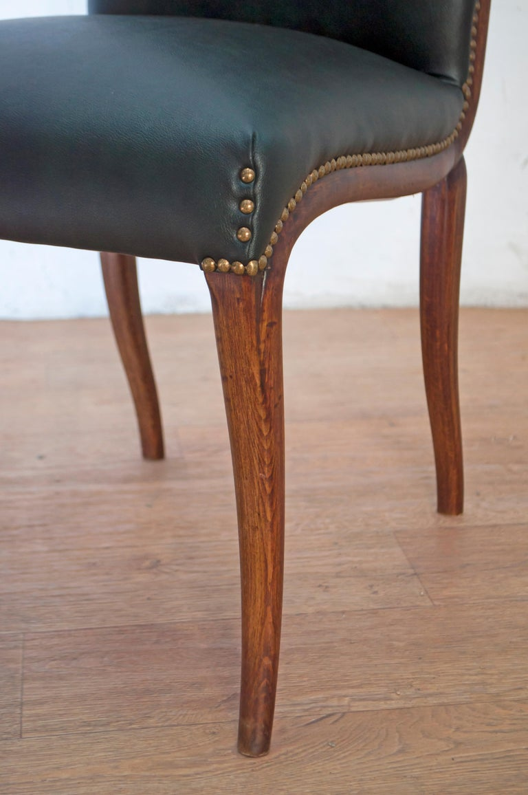 Vittorio Dassi Mid-Century Modern Italian Walnut Eight Dining Chairs, 1950s For Sale 13