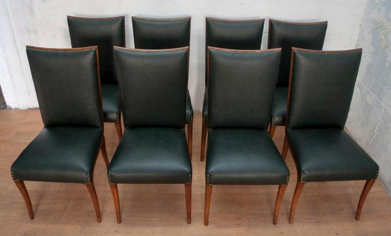 Vittorio Dassi Mid-Century Modern Italian Walnut Eight Dining Chairs, 1950s In Good Condition For Sale In Cerignola, Italy Puglia