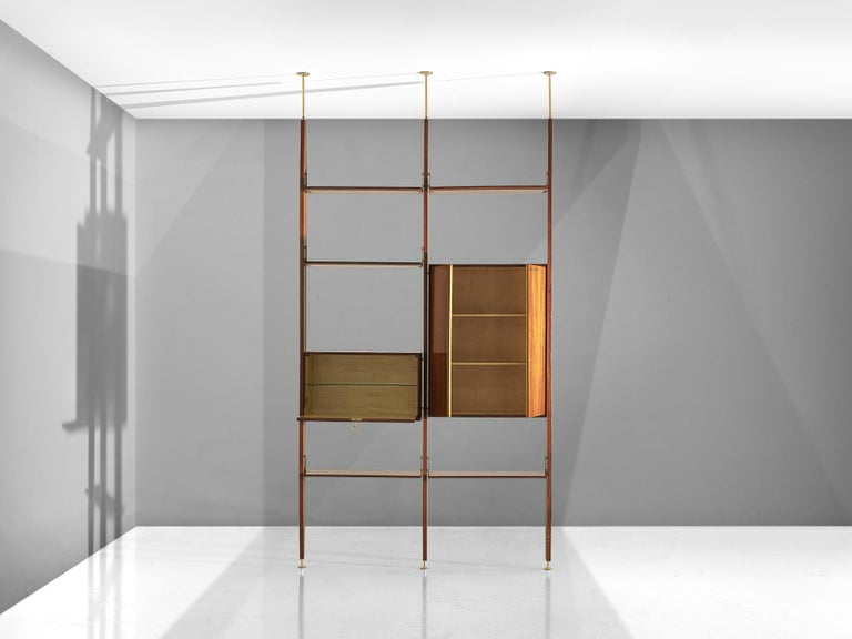 Vittorio Dassi Wall Unit in Walnut In Good Condition For Sale In Waalwijk, NL