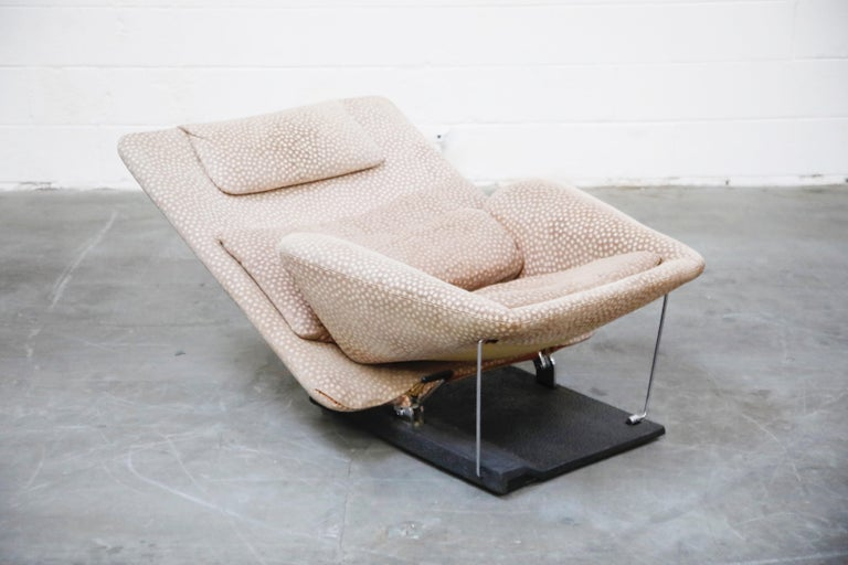Italian Vittorio Introini for Saporiti Italia Reclining Lounge Chair and Ottoman, 1970s For Sale