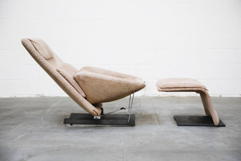 Vittorio Introini for Saporiti Italia Reclining Lounge Chair and Ottoman, 1970s In Good Condition For Sale In Los Angeles, CA