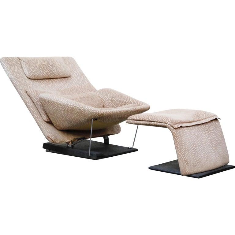 Vittorio Introini for Saporiti Italia Reclining Lounge Chair and Ottoman, 1970s For Sale