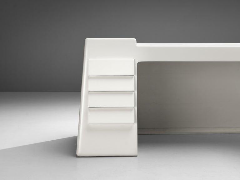 Vittorio Introini for Saporiti Rare Sculptural Desk in Fiberglass For Sale 6