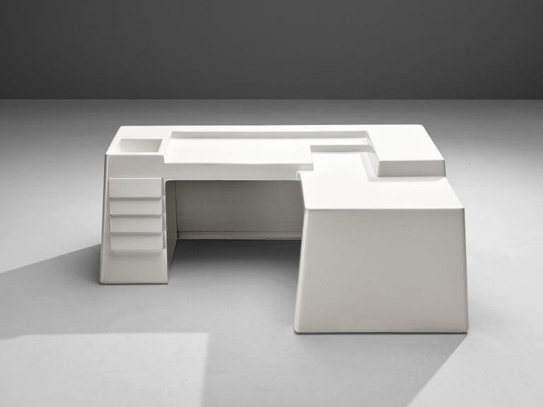 Italian Vittorio Introini for Saporiti Rare Sculptural Desk in Fiberglass For Sale