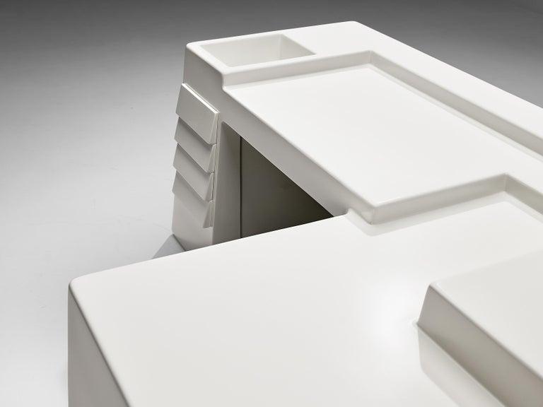 Vittorio Introini for Saporiti Rare Sculptural Desk in Fiberglass In Good Condition For Sale In Waalwijk, NL