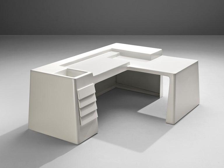 Mid-20th Century Vittorio Introini for Saporiti Rare Sculptural Desk in Fiberglass For Sale