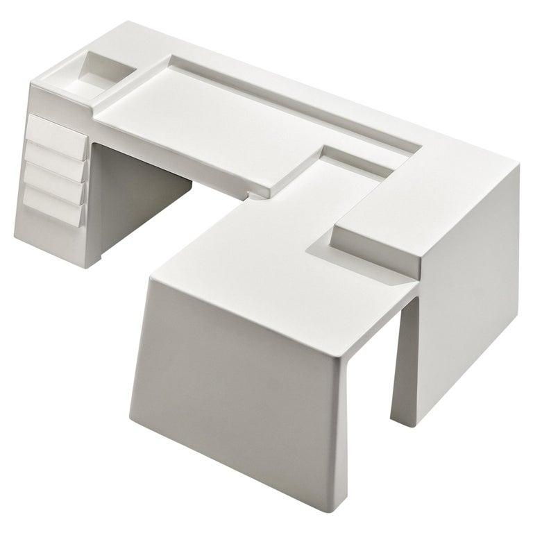 Vittorio Introini for Saporiti Rare Sculptural Desk in Fiberglass For Sale
