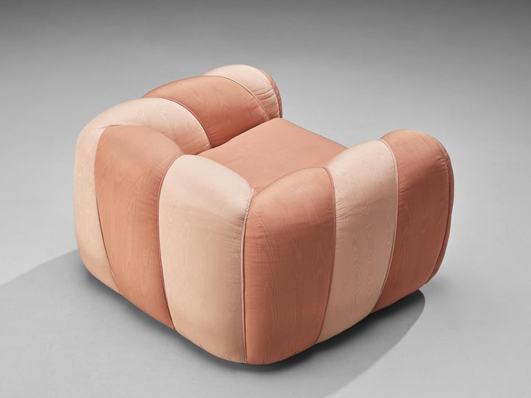 Vivai del Sud Lounge Chair in Pink Fabric Upholstery For Sale 3
