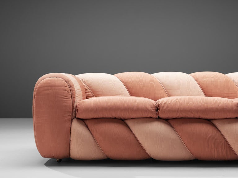 Mid-Century Modern Vivai del Sud Sofa in Pink Fabric Upholstery For Sale
