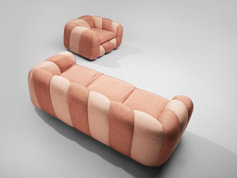 Late 20th Century Vivai del Sud Sofa in Pink Fabric Upholstery For Sale