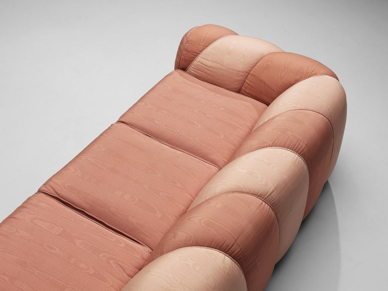 Vivai del Sud Sofa in Pink Fabric Upholstery For Sale 2