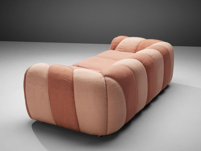 Vivai del Sud Sofa in Pink Fabric Upholstery For Sale 3