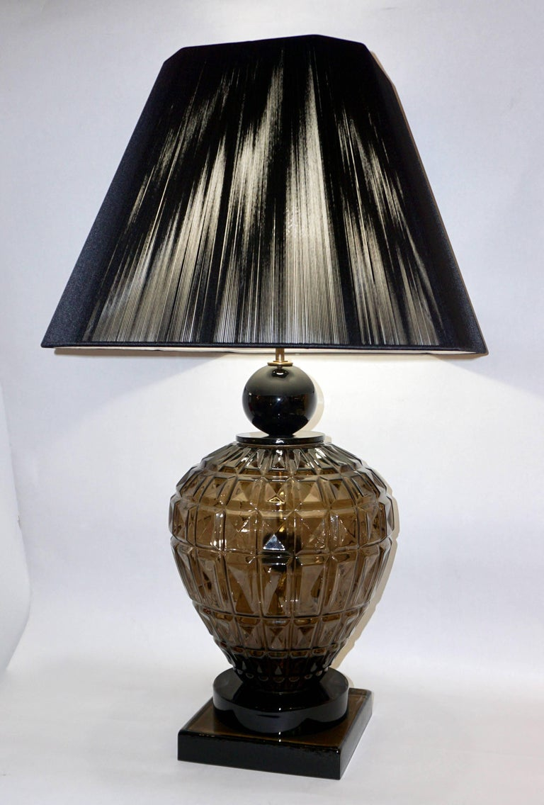 Vivarini 1970s Italian One-of-a-Kind Pair of Black and Smoked Murano Glass Lamps For Sale 3