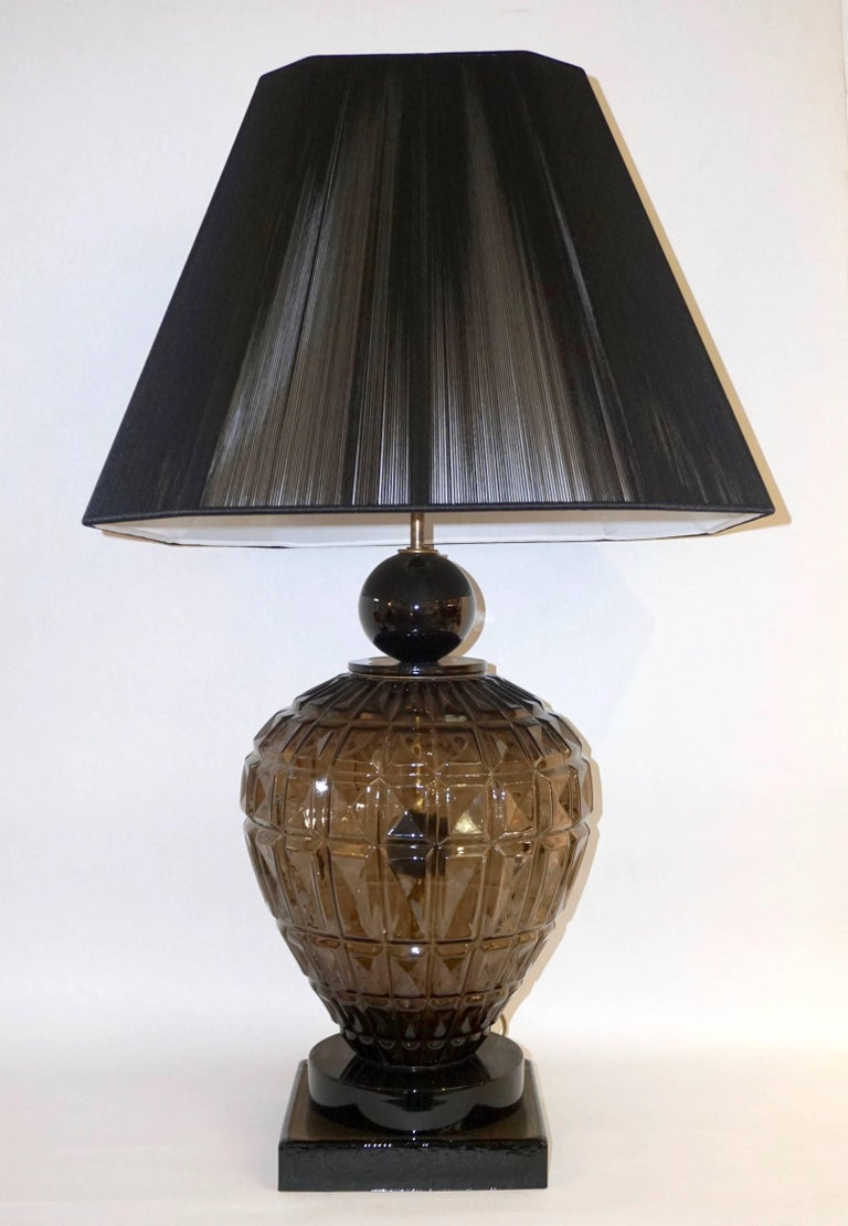 Mid-Century Modern Vivarini 1970s Italian One-of-a-Kind Pair of Black and Smoked Murano Glass Lamps For Sale