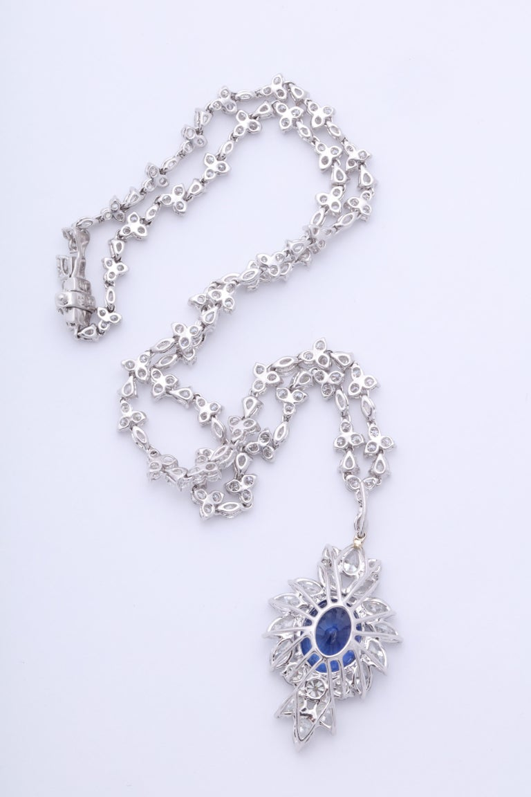 Vivid Blue Ceylon Sapphire and Diamond Pendant Necklace For Sale 1