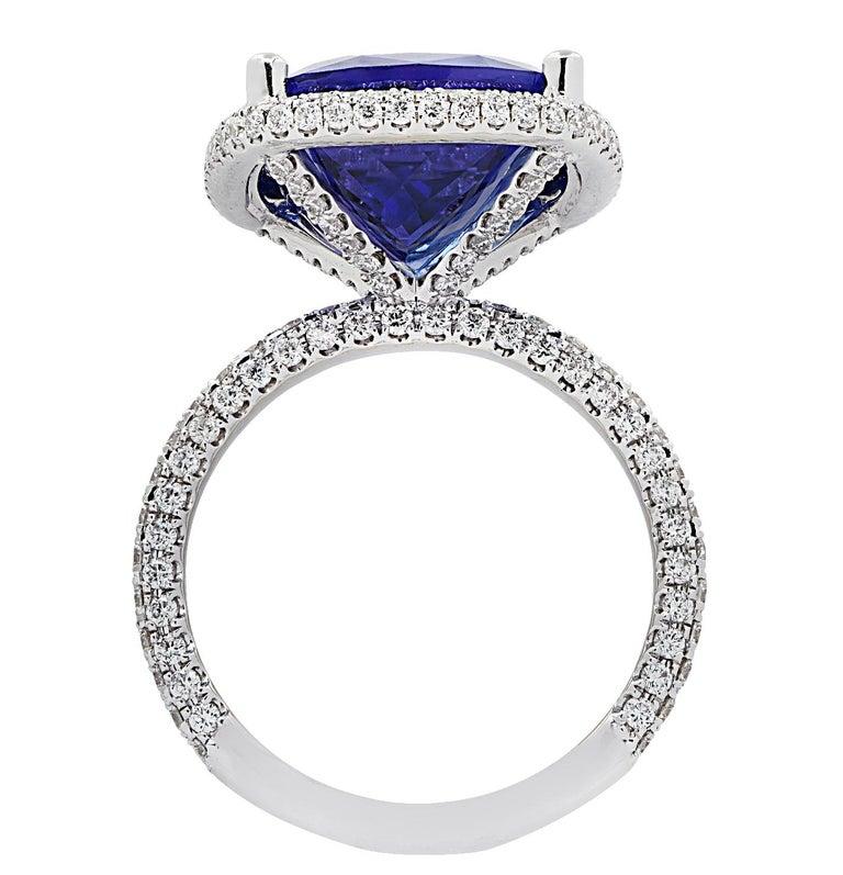 Modern Vivid Diamonds 10.66 Carat Tanzanite Ring For Sale