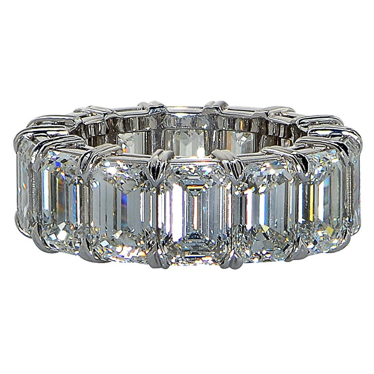 Modern Vivid Diamonds GIA Certified 15.18 Carat Emerald Cut Diamond Eternity Band For Sale
