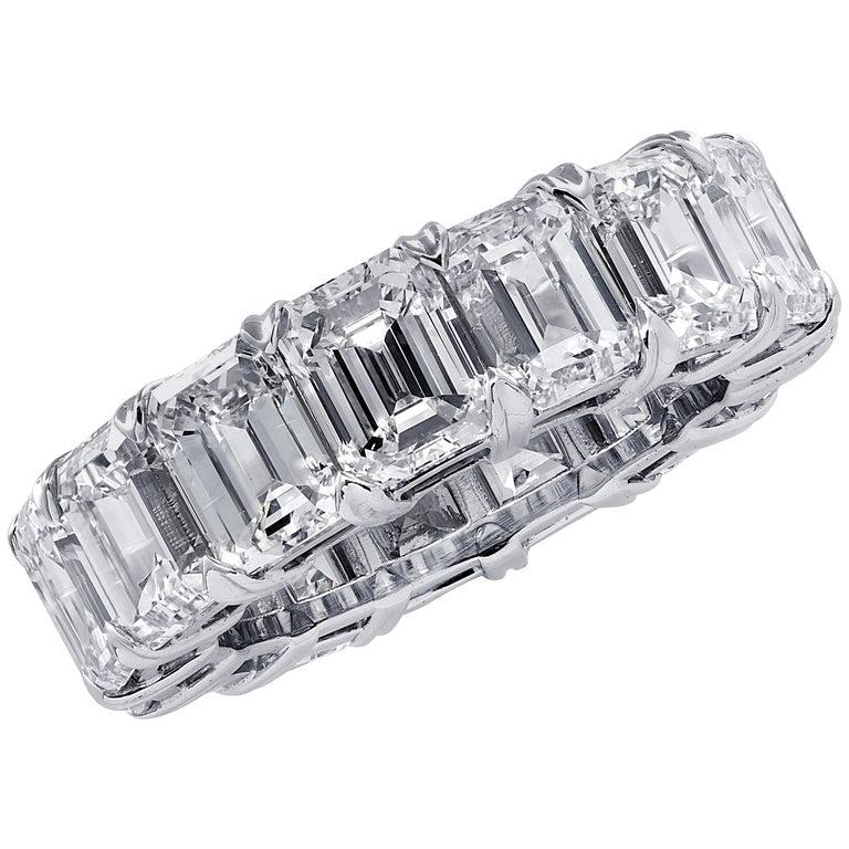 Vivid Diamonds 15.23 Carat Emerald Cut Diamond Eternity Band For Sale