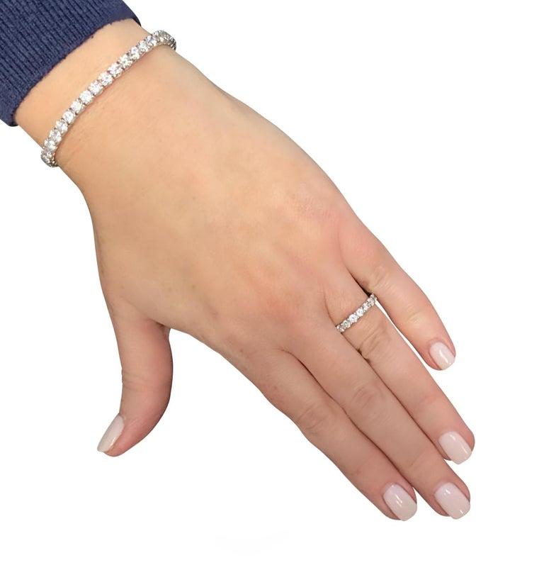 Modern Vivid Diamonds 2.16 Carat Diamond Eternity Band For Sale