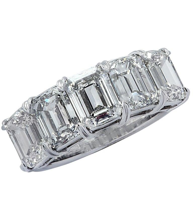 Vivid Diamonds 6.02 Carat Five Stone Diamond Wedding Band In New Condition For Sale In Miami, FL