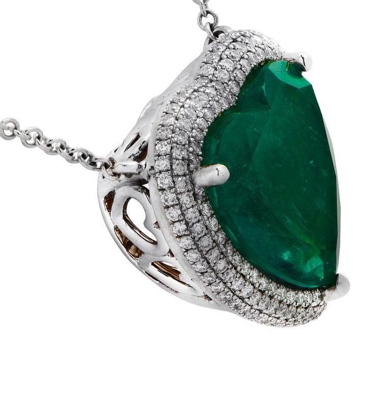 Vivid Diamonds AGL Certified 12.54 Carat Emerald and Diamond Heart Necklace For Sale 1