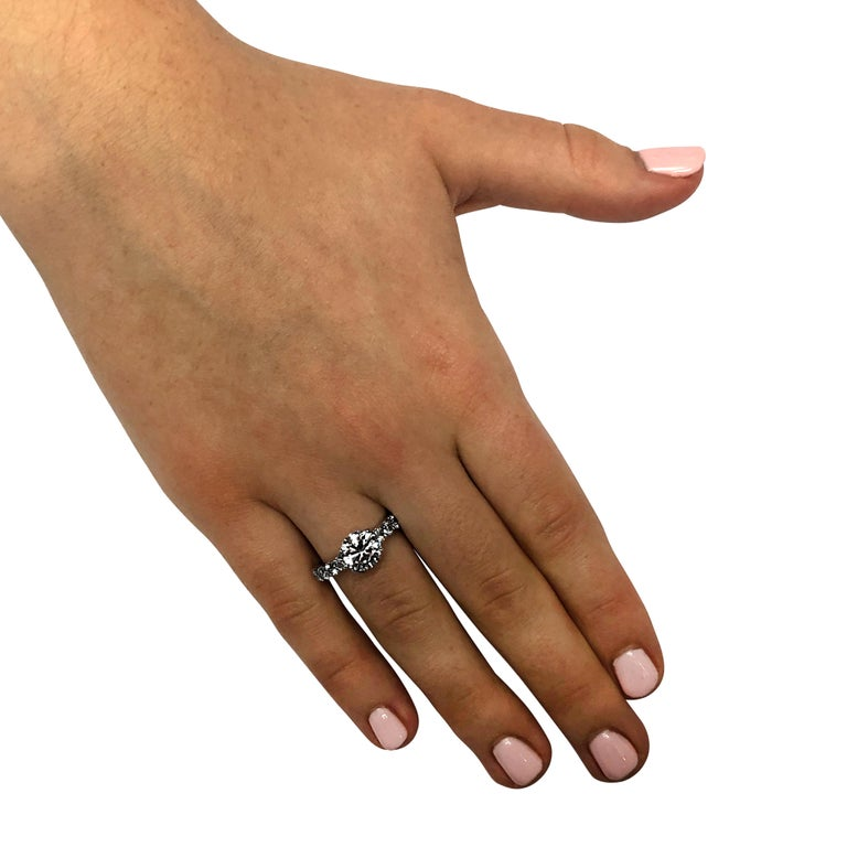 Modern Vivid Diamonds GIA Certified 1.65 Carat Diamond Engagement Ring For Sale