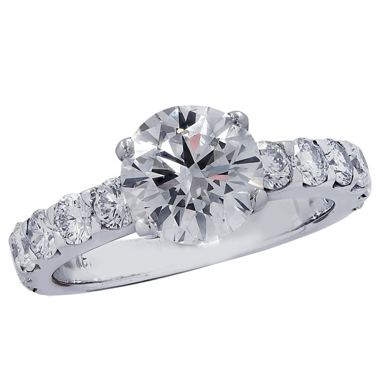 Vivid Diamonds GIA Certified 1.65 Carat Diamond Engagement Ring For Sale