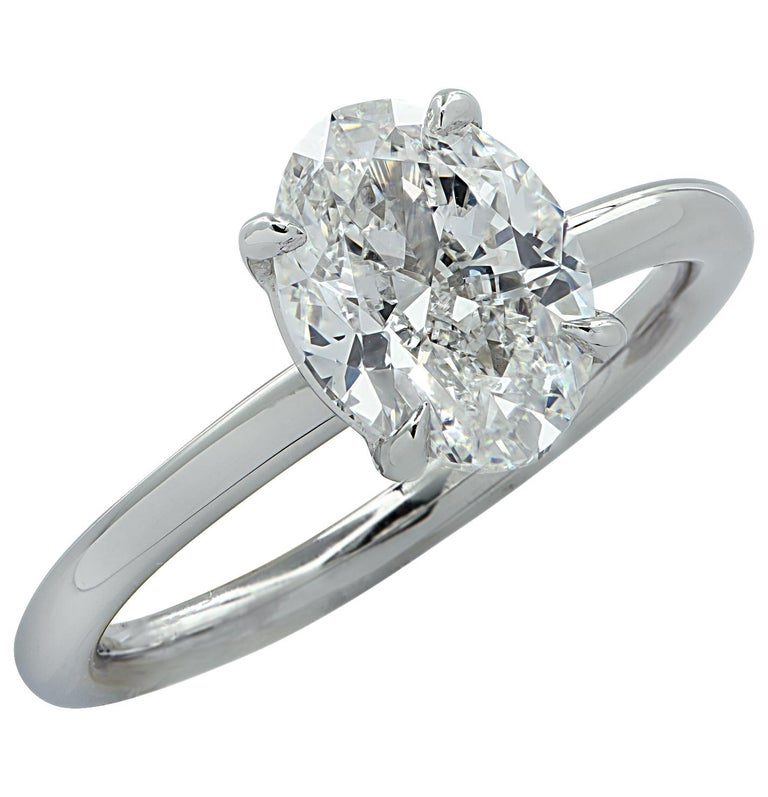 Vivid Diamonds GIA Certified 1.80 Carat Oval Diamond Engagement Ring In New Condition For Sale In Miami, FL