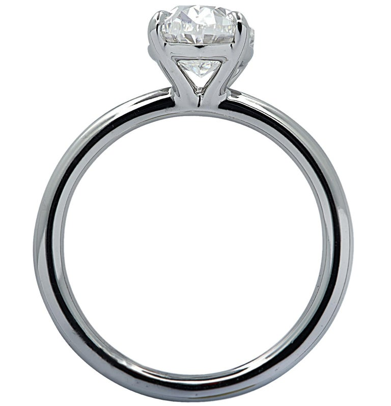 Vivid Diamonds GIA Certified 1.80 Carat Oval Diamond Engagement Ring For Sale 1