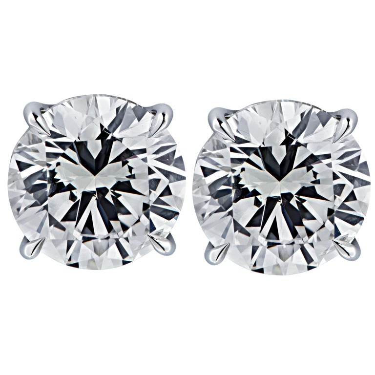 Vivid Diamonds GIA Certified 5 Carat Diamond Stud Earrings In New Condition For Sale In Miami, FL