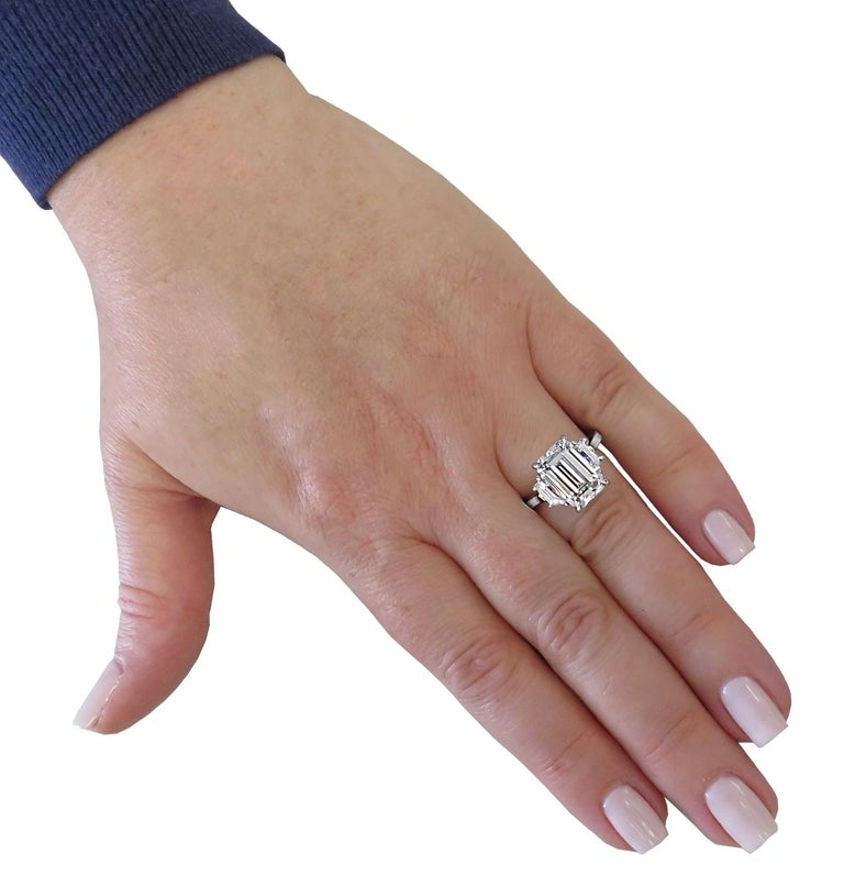 Vivid Diamonds GIA Certified 5 Carat Emerald Cut Engagement Ring In New Condition For Sale In Miami, FL
