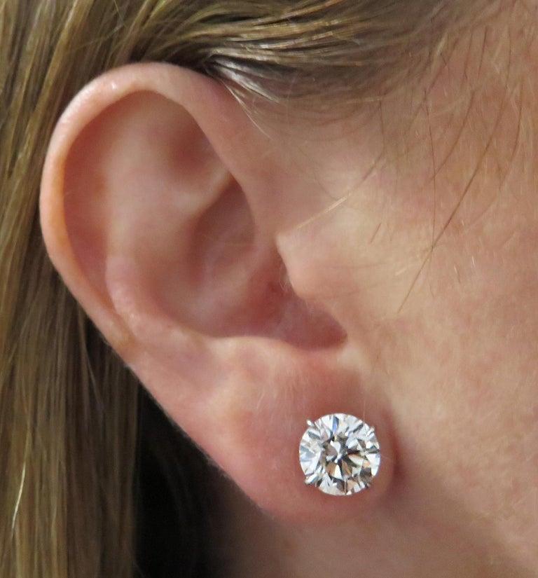 Women's or Men's Vivid Diamonds GIA Certified 6.10 Carat Diamond Stud Earrings