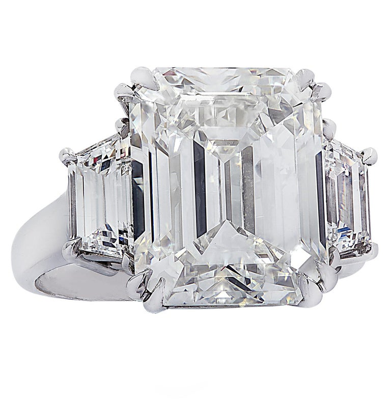 Vivid Diamonds GIA Certified 8.57 Carat Emerald Cut Diamond Engagement Ring In New Condition For Sale In Miami, FL
