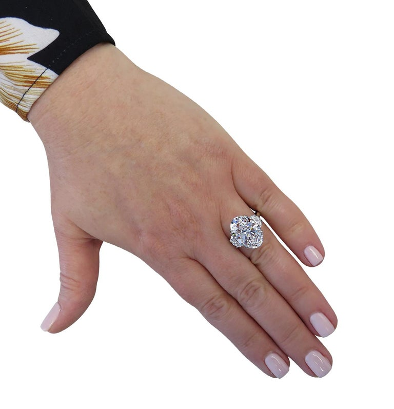 Vivid Diamonds GIA Certified 8.87 Carat Oval Diamond Engagement Ring In New Condition For Sale In Miami, FL