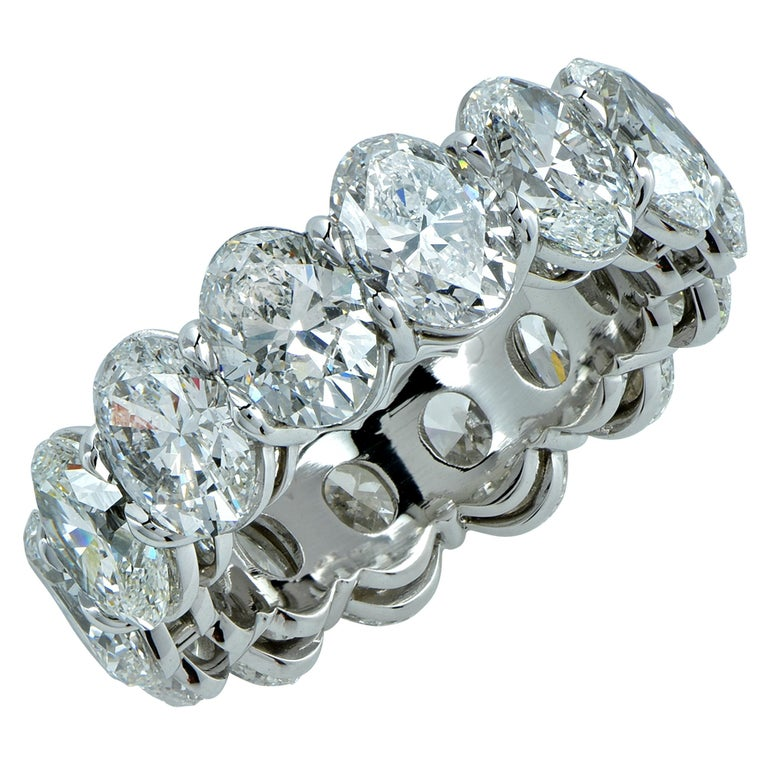 Vivid Diamonds GIA Certified 9.92 Carat Oval Cut Diamond Platinum Eternity Band In New Condition For Sale In Miami, FL