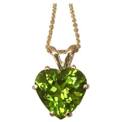 Vivid Green 2.05 Carat Peridot Heart Cut Yellow Gold Pendant Necklace