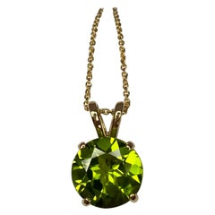 Vivid Green Round Cut Peridot 2.55 Carat Solitaire Pendant Necklace