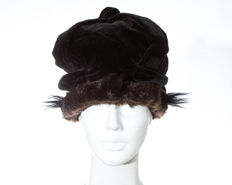 Black Vivienne Westwood black velvet and faux fur crown, fw 1987 For Sale