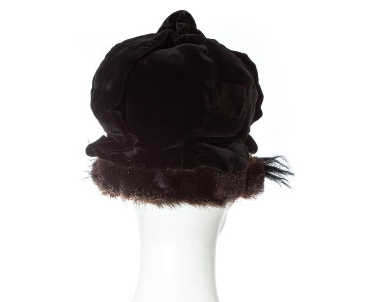 Vivienne Westwood black velvet and faux fur crown, fw 1987 For Sale 1