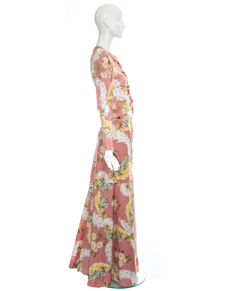 Vivienne Westwood pink floral printed maxi skirt and blouse ensemble, ss 2001 In Excellent Condition For Sale In London, GB