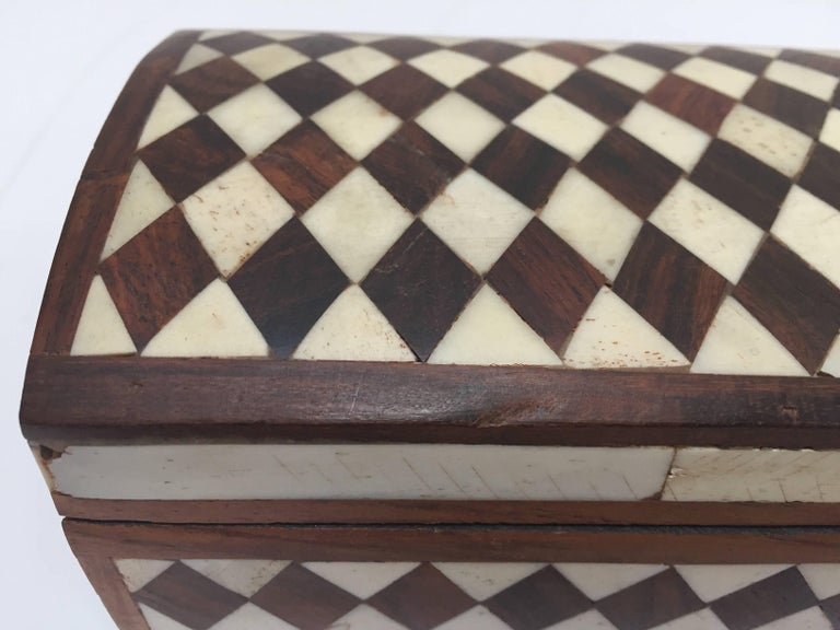 Vizagapatam Anglo-Indian Rectangular Box Inlaid with Bone and Sandalwood For Sale 5