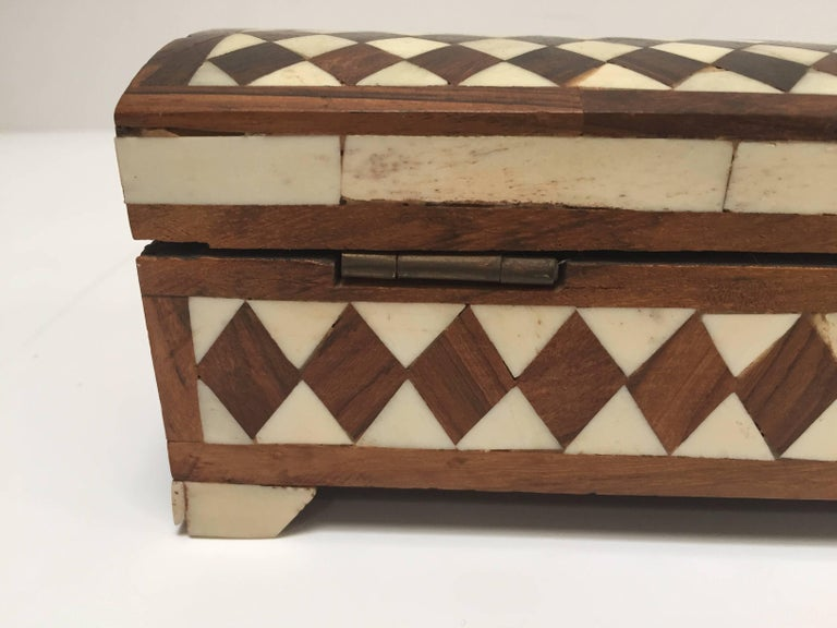 20th Century Vizagapatam Anglo-Indian Rectangular Box Inlaid with Bone and Sandalwood For Sale