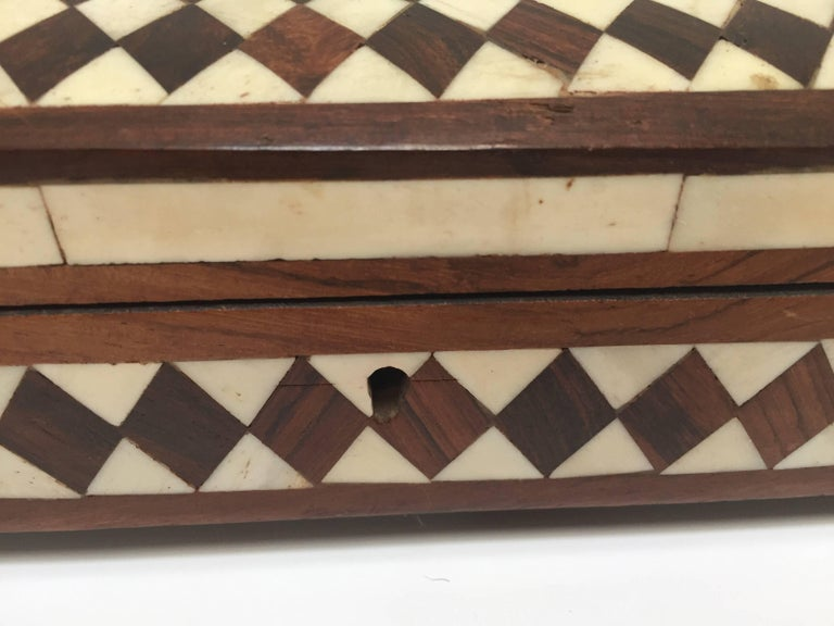 Vizagapatam Anglo-Indian Rectangular Box Inlaid with Bone and Sandalwood For Sale 1