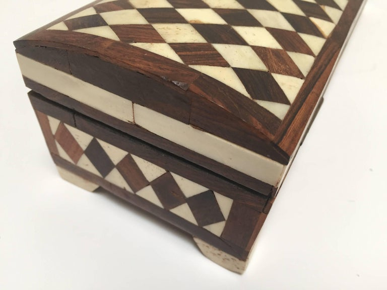 Vizagapatam Anglo-Indian Rectangular Box Inlaid with Bone and Sandalwood For Sale 2