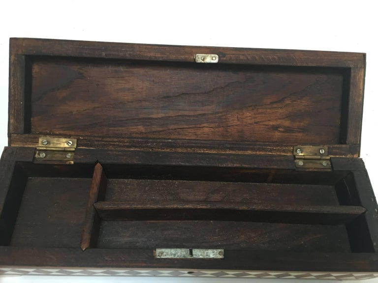 Vizagapatam Anglo-Indian Rectangular Box Inlaid with Bone and Sandalwood For Sale 4
