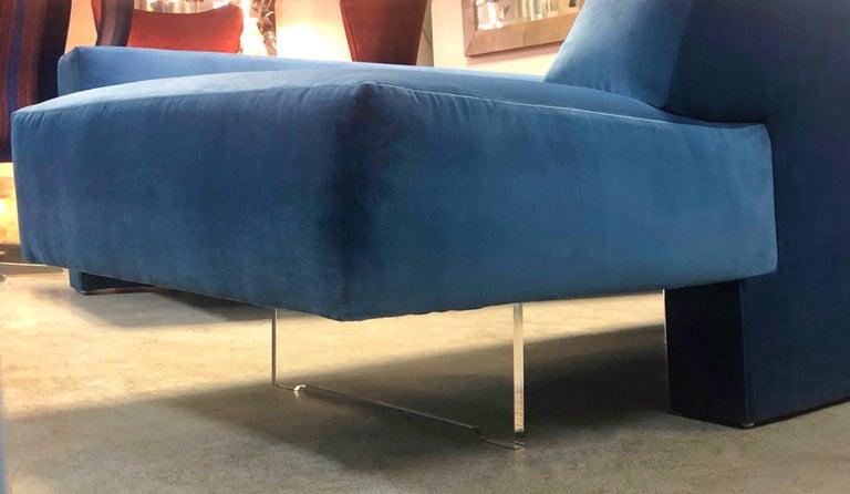 Vladimir Kagan 3-Piece Omnibus Sofa Lucite Bases, 1970s For Sale 5