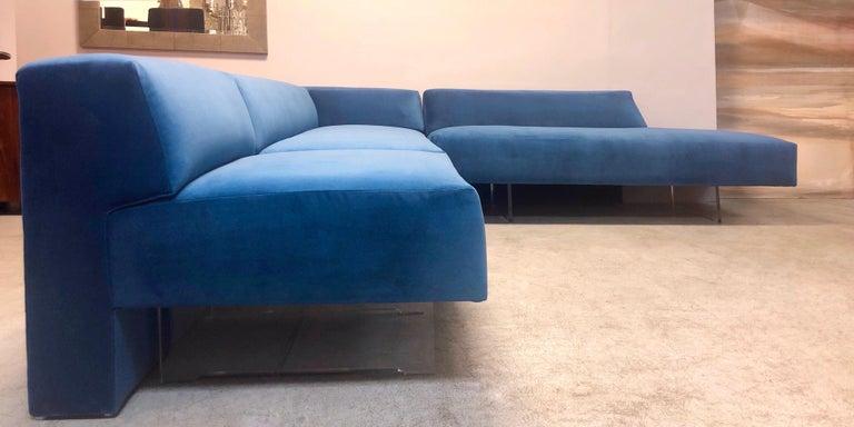 A fantastic Omnibus I modular sofa. 3 pieces. Measures: Chaise is 72